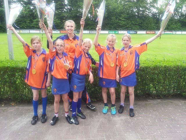 E2-pupillen kampioen veld vj 2014
