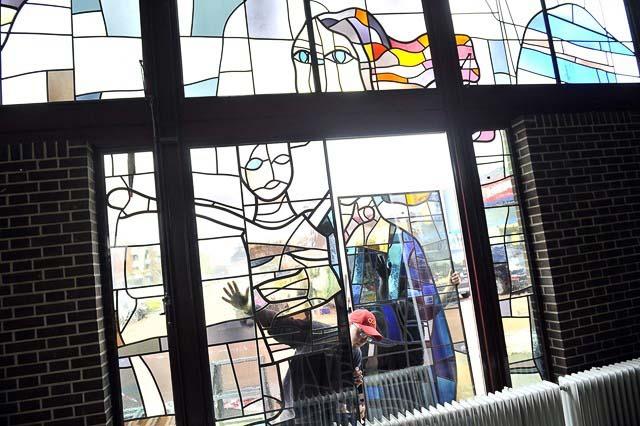 roden rk kerk glas in lood plaatsen 2