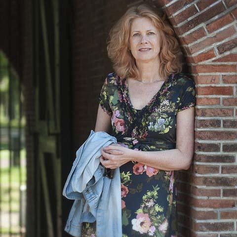 Nederland - Veenhuizen - Drenthe- 24-05-2012 Mari't Meester schrijfster die voor haar boek Koloniekak een jaar in de Pastorie in Veenhuizen heeft gewoond.  Foto: Sake Elzinga