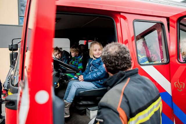 Leek SKGS brandweer bezoek