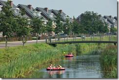 LEEK / 3-9-2011 / Nieuwbouwwijk Oostindie is in een paar jaar tijd fors gegroeid. Sfeerbeeld van woonomgeving / Foto: Omke Oudeman