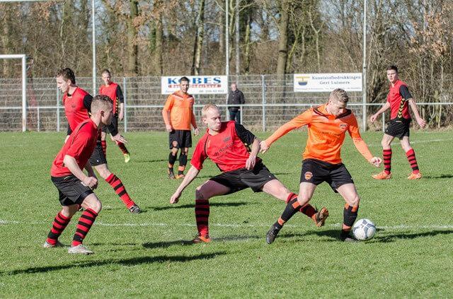 Zevenhuizen-Haulerwijk-zondagvoetbal-03