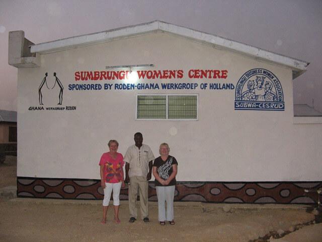 Sumbrungu,het vrouwencentrum, aankomst